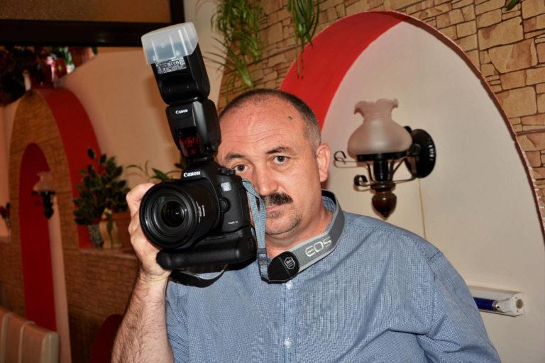 eu.1 768x512 - Contact - Studioul Amintirilor Fotofraf Valcea Danicei